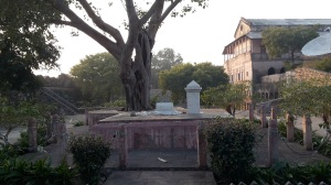Burial place of Ghulam Gaus Khan, Moti Bai, Khuda Baksh - before the British captured them